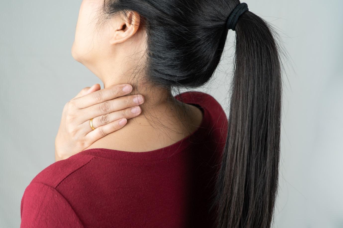 Kebiasaan Penyebab Sakit Pundak Leher Pegal Mana yang Paling Sering Anda Lakukan?