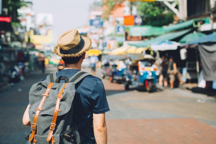 Travel Kit Anti Pegal yang Harus Kamu Bawa